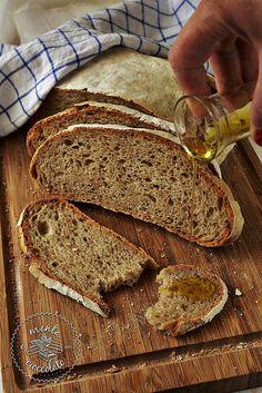 #Pane a lievitazione naturale con farina integrale e di segale #bread #baking