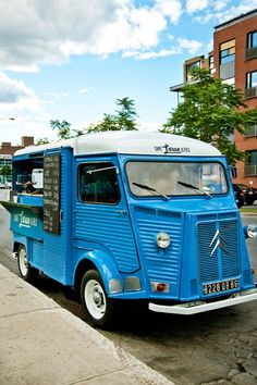 Café Larue & fils is not only the greatest coffee shop in town it's now also the nicest coffee truck in Montreal !!!!! LOVELY