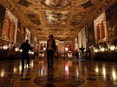 Venice, Scuola Grande di San Rocco: Inside of the grand hall