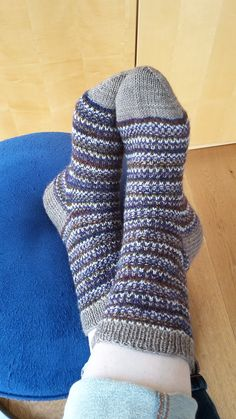 Ravelry: SabinePe's S2015/40 Over Left Socks knit
