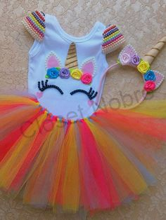 Contém no Kit Unicórnio: 1 body, 1 saia tutu 1 arquinho Birthday Party Celebration, Unicorn Birthday Parties, Birthday Dresses, Unicorn Party, Pink Flower Girl Dresses, Little Girl Dresses, Little Girls, Royal Party, Diy Tutu