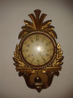 reloj de pared antiguo                                                       …