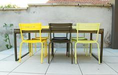 Les chaises Fermob Luxembourg, au milieu : couleur Savane. Retrouvez-là sur Uaredesign : http://www.uaredesign.com/chaise-luxembourg-fermob-savane.html #Fermob #Mobilier #Design