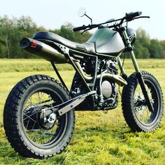 Cafe Racer Bikes, Cafe Racer Motorcycle, Motorcycle Style, Motorcycle Design, Bike Design, Tracker Motorcycle, Moto Bike, Scrambler Moto, Ktm Dirt Bikes