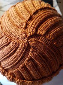 Elämää ja askartelua: Jacques Cousteau pipo ohje Knitted Hats, Knit Crochet, Beanie, Knitting, Teen, Fashion, Tricot, Moda, Fashion Styles