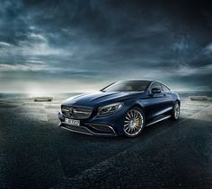 One look says it all: the Mercedes-Benz S-Class Coupé embodies pure elegance.