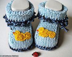 Die ersten Frühlingsboten:)    Die Babyschuhe sind garantiert handgestrickt. Die Babyschuhe sind mit sehr schöner Garnmischung gestrickt. Aber die ...