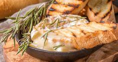 Brie fondant...érable et pacanes - Recettes - Recettes simples et géniales! - Ma Fourchette - Délicieuses recettes de cuisine, astuces culinaires et plus encore!