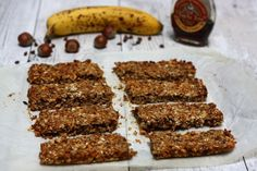 Barres de céréales maison: avoine, banane, noisettes et chocolat
