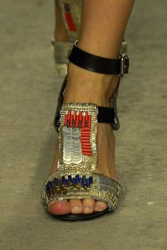 Dries Van Noten Spring 2008 Ready-to-Wear Collection Photos - Vogue Beaded Sandals, T Strap Sandals, Ankle Strap, Shoes Heels Wedges, Shoes Sandals, Botas Boho, Girls Football Boots, Abercrombie Girls, All About Shoes