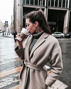 3 Type Must-Have Coat Outfits - Winter Outfits Outfits Otoño, Travel Outfits, Vacation Outfits, Fashion Outfits, Mode Shoes, Business Outfit, Trendy Fashion, Fashion Trends, Fashion Pics