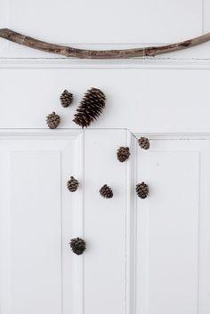 Pine Cone Door Mobile