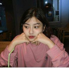 Kpop Short Hair, Cute Girl Face, Ulzzang Korean Girl, Western Girl, Uzzlang Girl, Selfie Poses, Aesthetic Girl, Girl Photography, Girl Pictures