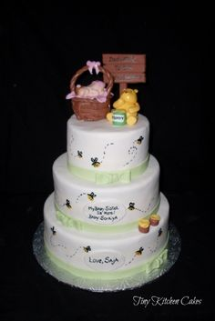 Pooh Bear By dragonfly2311 on CakeCentral.com