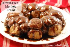 This Grain-Free Monkey Bread would be the perfect Christmas morning breakfast! It's AMAZING! Primal Recipes, Paleo Recipes, Whole Food Recipes, Cooking Recipes, Free Recipes, Paleo Baking, Gluten Free Baking, Paleo Bread, Paleo Sweets
