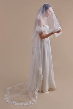 Wedding Veils by Anomalie. A veil isn't just an accessory; it's an extension of a bride's wedding day look and Anomalie wedding veils take it to a new, personal level. Daisy Wedding, Wedding Blog, Destination Wedding, Wedding Day, Headpiece Wedding, Wedding Veils, Wedding Dresses, Royal Look, Lace Veils
