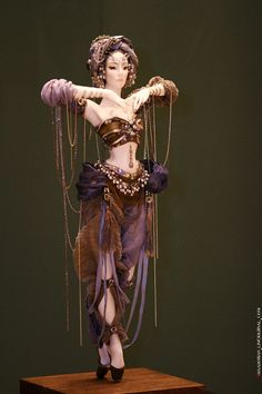 """aflowerinhand:anazale:Sasha KhudyakovaSashaKhudyakova is an artist,a doll-maker,a member of the MoscowArtistsUnion,vice-chairman of Art doll section of RussianCreativeAssociation of Artists.She makes amazing porcelain art dolls,so delicate and womanly.Her metallic porcelain statuette""""The Moon""""has been selected as the Artwork of the Day on site of Artexpo NY,and has simultaneously gone out to over27,000Artexpo fans on Facebook and Twitterhttp://www.dollcollection.su/ Whoa"""