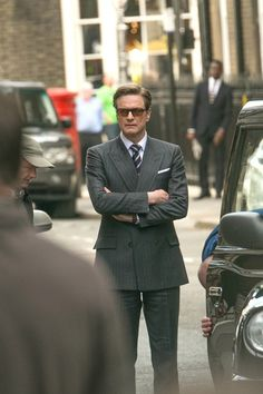 """Colin Firth, sur le tournage de son nouveau film """"The Secret Service"""" à Londres, le 6 octobre 2013"""