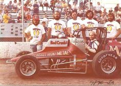 """""""Doug Wolfgang and crew pose on the front stretch at Manzanita with their Arizona Red Crush machine. Sprint Car Racing, Dirt Track Racing, Road Racing, Auto Racing, Copperhead Road, Old Race Cars, Awesome Shoes, Vintage Race Car, Car And Driver"""