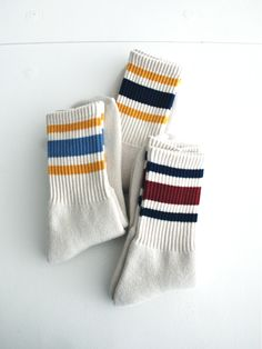 these socks remind me of the ones that young soccer players used to wear in america :)