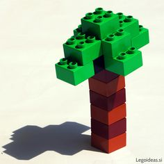 A simple lego palm tree idea, made out of only 2x2 duplo bricks.