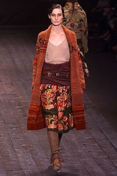 Dries Van Noten Fall 2002 Ready-to-Wear Collection on Style.com: Complete Collection