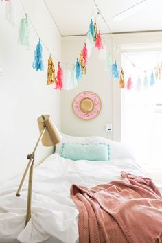 Dorm Room at The University of Texas at Austin | The Bella Insider #dormroom #dormdiy #dormdecor