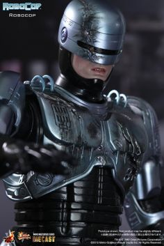 FORTY42: Preorder now! Hot Toys Robocop