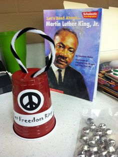 Mrs. Tabb @ First Grade Awesomeness: ...what we did for MLK Day! (Included in the Upcoming Black History Unit)