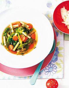 Minestrone mit Erbsen - Erbsen: Hauptgerichte, Salate & Snacks - [LIVING AT HOME]