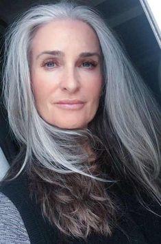 Cortes de cabello con CANAS para mujeres de 50  9993b326d184