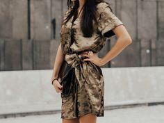 MQ Vienna Fashion Week I Love Gold, Going For Gold, Fashion Week 2018, Mode Editorials, Black Clutch, Zara Dresses, Gold Dress, Outfit Posts, Vienna