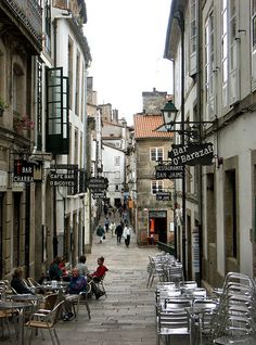 Santiago de Compostela, Spain | por Arnim Schulz  Para saber más sobre los coches no olvides visitar marcasdecoches.org