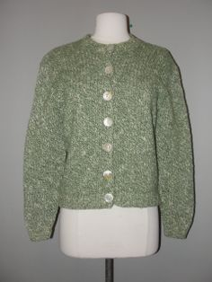 Vintage Clothing Stores, Green Sweater, Eccentric, Vintage Outfits, Amazing, Cute, Sweaters, Clothes, Fashion
