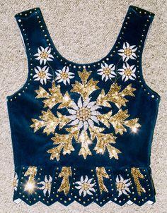 traditional women's outfit Polish Embroidery, Folk Embroidery, Embroidery Dress, Beaded Embroidery, Folk Costume, Costumes, Bordado Popular, Contemporary Decorative Art, Polish Folk Art