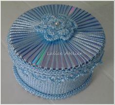 Caixinha de crochê com CD. #croche #cd #reciclagem #recycling #caixinhacroche #crochetbox