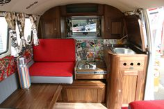 love the comic book wall paper, It would be great to put a mirror in that sink. Vw Camper, Vw Bus, Camper Life, Campers, Volkswagen, Motorhome Interior, Bus Interior, Campervan Interior, Vw Kombi Van