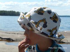 Pikku Akan Tilkkuvakka Hats, Fashion, Moda, Hat, Fashion Styles, Fashion Illustrations, Fashion Models