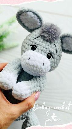 Crochet Zebra Pattern, Plush Pattern, Crochet Animal Patterns, Crochet Patterns Amigurumi, Crochet Animals, Crochet Ideas, Handmade Ideas, Handmade Toys, Handmade Crafts