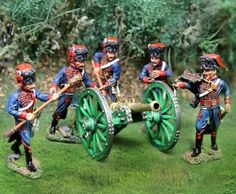 Napoleon's Grande Armee Old Guard Artillery complete set - Made by The Collectors Showcase Military Miniatures and Models. Factory made, hand assembled, painted and boxed in a padded decorative box. Excellent gift for the enthusiast.