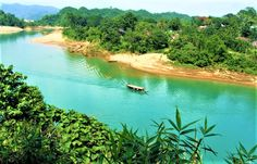 Lalakhal, a river of transparent blue water in Jaintapur Upazila , about 35 kilometers away from Sylhet city. It's an incredible natur. Saint Martin Island, Beach Pictures, Asia Travel, The Locals, In The Heights, Nature Photography, Places To Visit, River, World