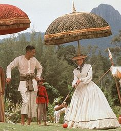 Jodie Foster as Anna and Chow Yun-Fat as King Mongkut in Anna and the King.
