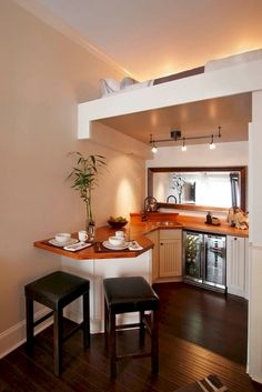 Gorgeous 70 Tiny House Kitchen with Space Saving Designs https://livinking.com/2017/08/22/70-tiny-house-kitchen-space-saving-designs/