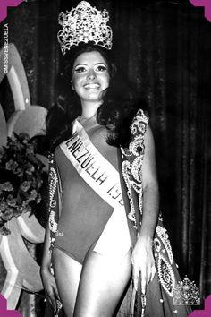 Peggy Kopp. Miss Distrito Federal 1968. Miss Venezuela 1968  Impuso un peinado en su momento que consistía en dos colas de caballo altas una de cada lado de la cabeza