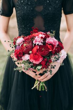 Black Tie and Berry-Toned Styled Shoot on a Cuddly Animal Fa.- Red and pink wedding bouquiet with berries // Black Tie and Berry-Toned Styled Shoot on a Cuddly Animal Farm Red Bouquet Wedding, Red Wedding Flowers, Prom Flowers, Bride Bouquets, Wedding Colors, Dress Wedding, Wedding Ideas, Geek Wedding, Farm Wedding