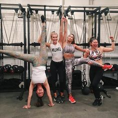 Getting our fit on at today with Andi Dorfman & Jenna Ushkowitz! Workout Attire, Workout Outfits, Gym Style, Cool Style, Andi Dorfman, Thinspiration, Fitness Fashion, Fitspo, Active Wear
