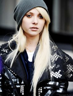 Taylor Momsen- she rocks the style!