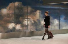 daan-roosegaarde-beyond-schiphol-airport-3D-clouds-designboom-02