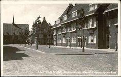 Beeldbank Prentbriefkaarten - Andoornstraat met aan het eind de Hersteld Apostolische Kerk in Clematisstraat 25