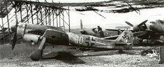 Focke-Wulf-Fw-190D-NAG6-5.JG26-(W10+-)-WNr-211118-Lechfeld-1945-01.jpg (1000×409)